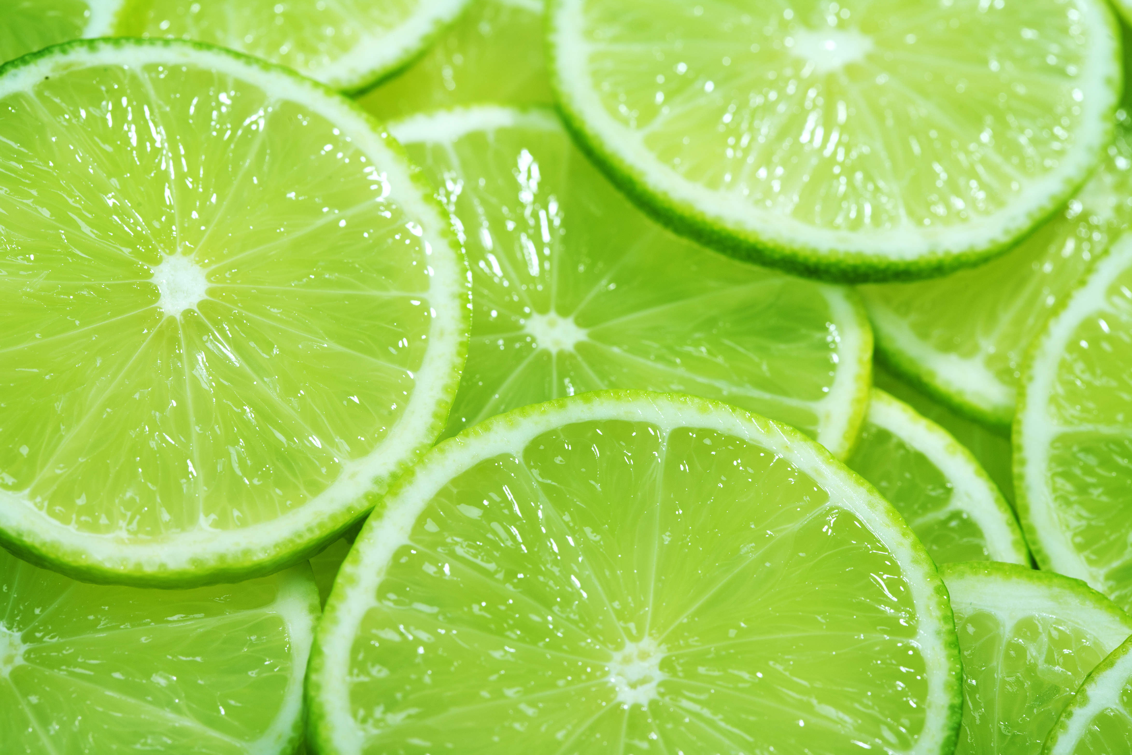 Sliced Limes Designer Splashback Cameo Glass
